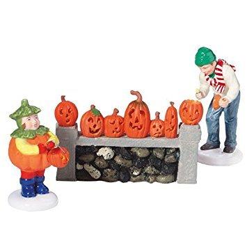 Dept 56 Snow Village Halloween **Lighting The Jack-O'-Lanterns** -