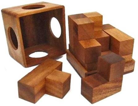 (Soma Cube (Medium) Wooden Brain Teaser Puzzle)