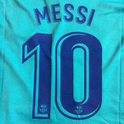 フリース頭笑い?クリックポスト?子供用 K134 バルセロナ MESSI*10 メッシ 水色 18 ゲームシャツ パンツ付