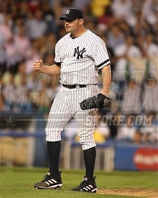 (Roger Clemens New York Yankees fist pump pitching 8x10 11x14 16x20 photo 088 - Size 8x10)
