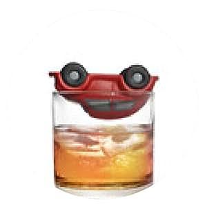 alfombrilla de ratón coche de juguete en el vaso de whisky como accidente de tráfico debido al alcohol - ronda - 20cm