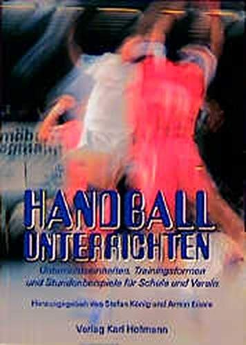 Handball unterrichten.