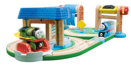 Thomas And Friends Wooden Railway - Early Engineers Busy Day on Sodor Set (Thomas Sodor & Friends Bay)