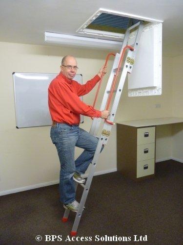 Dachbodenleiter zum Schieben, 3 Teile, Abstand vom Boden bis zum Dachboden zwischen 2,13 m und 3 m