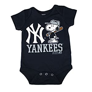 New York Yankees Snoopy At Bat Infant Size 3-6 Months Onesie / Bodysuit - Navy Blue Creeper