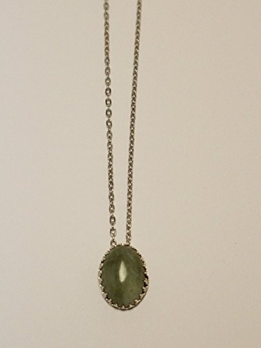 green-jade-crown-sterling-silver-necklace
