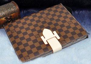 premium selection 44eb4 d995d Louis Vuitton LV iPad 2 / 3 / 4 Classic Pattern Themed: Amazon.co.uk ...