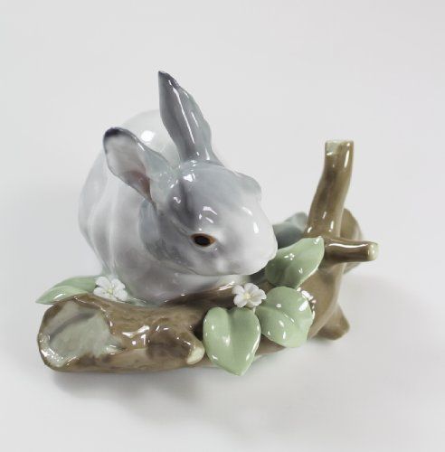 "Lladro #4773 ""Rabbit Eating"