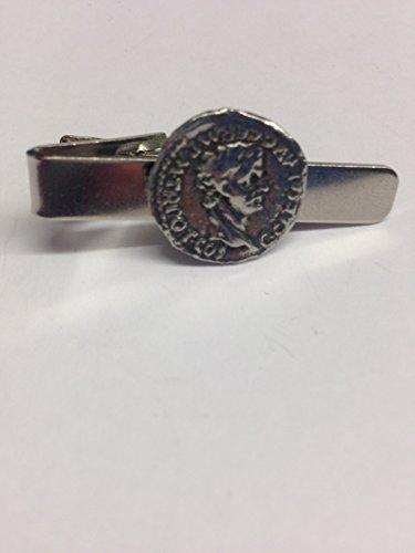 Caligula we-c4Monnaie En étain anglais emblème sur une pince à cravate 4cm long