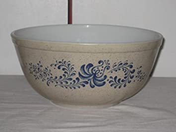 Amazon.com: Vintage PYREX Blue Polka Dot Glass Mixing Nesting Bowl ...
