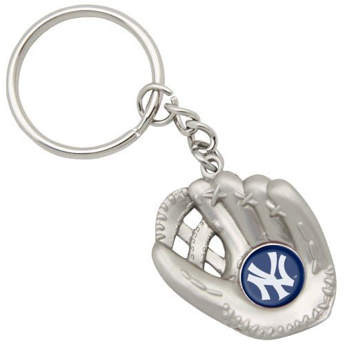 Football Fanatics New York Yankees Baseball Glove Keychain