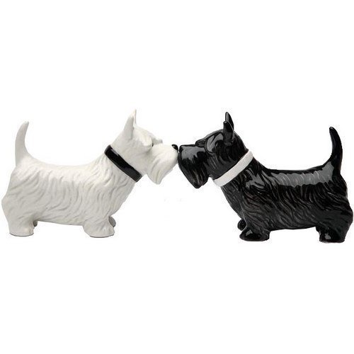 Kissing Scottish Terrier Scottie Dogs Salt & Pepper Shaker Set