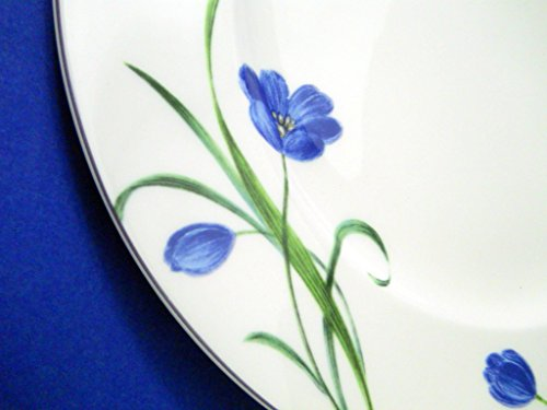 Mikasa Garden Poetry Chop Plate White Blue Flowers Green Stems Rimmed Y4005 (Blue Chop Plate)