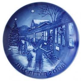 2006 Bing & Grondahl Christmas Plate - Boarding the Train