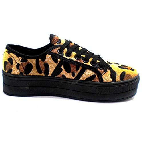 XTI Zapatilla Leopardo