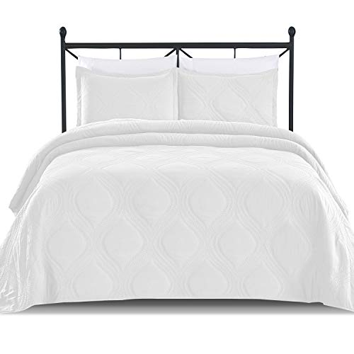 Luxe Bedding Solid Color Lightweight Oversize Cotton Filled Stitched 3-Piece Olive Leaves Bedspread Coverlet Set (Full/Queen, White/Peace)