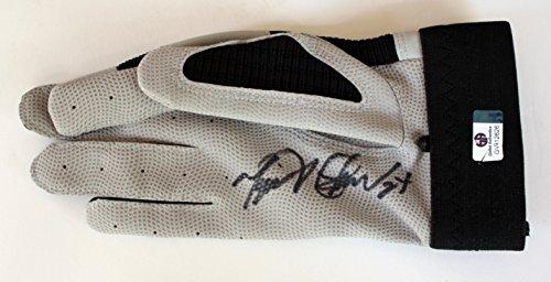 Miguel-Cabrera-Detroit-Tigers-Autographed-Rawlings-Batting-Glove-COA