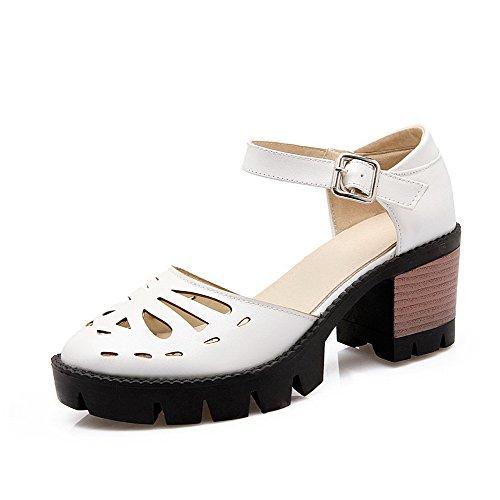 AgooLar Women's Pu Solid Buckle Closed Toe Kitten Heels Sandals White hraj9lML76