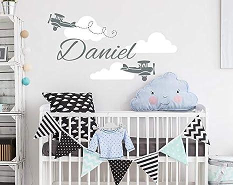 DesignQualityService | El avión Nombre personalizado etiqueta de la pared | Etiqueta engomada de las nubes | Etiqueta engomada de la aduana del cuarto de niños del bebé kp1: Amazon.es: Bricolaje y herramientas