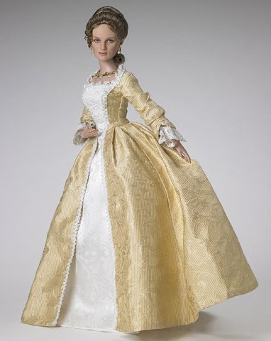 Elizabeth Swann In Court Gown From Pirates Of The Caribbean