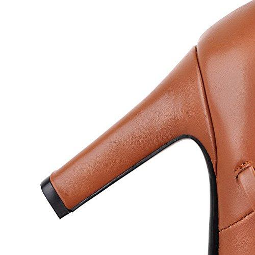 AllhqFashion Damen Hoher Absatz Rein Rund Zehe Reißverschluss Stiefel mit Schleife Braun