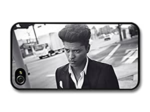 Accessories Bruno Mars Black & White Walking Street case For Apple Iphone 5/5S Case Cover