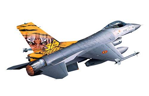 revell-germany-1-144-lockheed-martin-f-16-mlu-tiger-model-kit