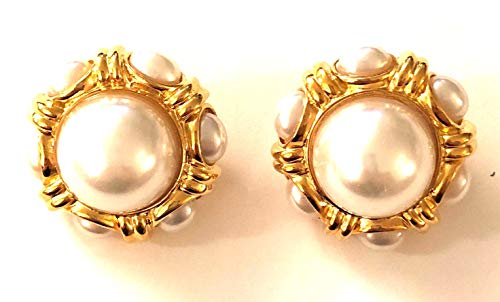 Kenneth Jay Lane, Pearl CABOCHON Round Button Gold Clip Earring with Pearls All Around, ()