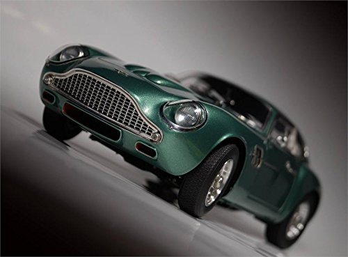 CMC-Classic Model Cars Aston Martin DB4 Gt Zagato 1961 Vehicle