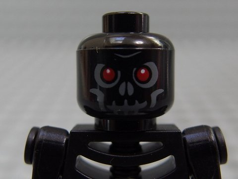 (LEGO Minifig Castle_327 Skeleton Warrior_A)