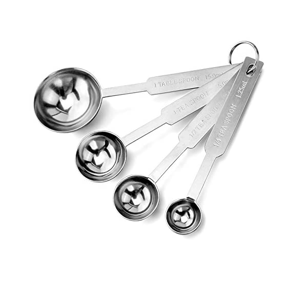 New Star Foodservice | Measuring Cup & Spoons Sets 5 Stainless steel measuring cups and spoons set Measuring cups: 1 cup, 1/2 cup, 1/3 cup, and 1/4 cup Measuring spoons: 1 tbsp., 1 tsp, 1/2 tsp, 1/4 tsp