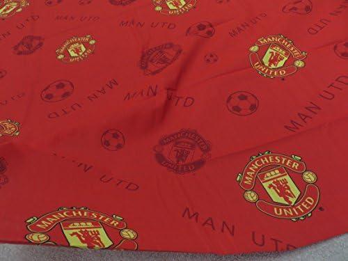 color rojo. Pieza de tela para manualidades con el escudo del club de f/útbol Manchester United