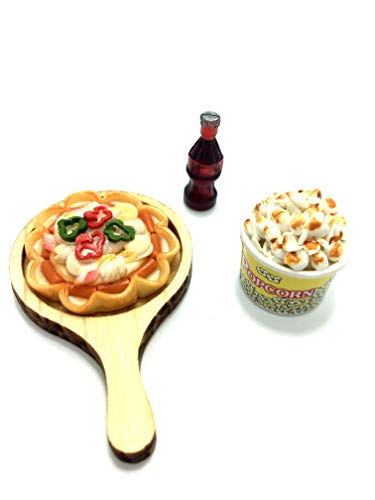 (Little world Dollhouse Miniatures Foods Pizza On Wooden Plate, Popcorn and Soft Drink, Food Collectibles, Dollhouse Kitchen Accessories.)