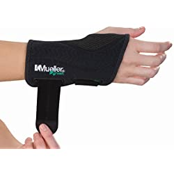 """Mueller Fitted Wrist Brace Green Line Number 86271 - Right Fitted Wrist Brace - SM/MD 5-8"""""""