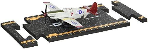 Hot Wings Airplane (Hot Wings P-51 Mustang (Tuskegee Airmen) with Connectible Runway Die Cast Model Airplane, Green)