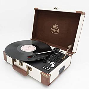 GPO Ambassador Vinyl Turntable – Retro Record Player, Wireless Bluetooth, Built-In Speakers, Rechargeable Battery, Record to MP3, RCA Connection (Cream & Tan)