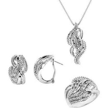 1/4-Carat T.W. Round and Baguette White Diamond Rhodium-plated Ring, Earrings and Pendant Set, 18