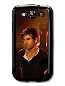 AMAF ? Accessories Enrique Iglesias Walking inside a Club Photoshoot case for Samsung Galaxy S3