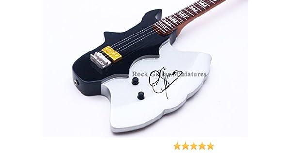 RGM147 Gene Simmons Axe Guitarra en miñatura: Amazon.es: Electrónica