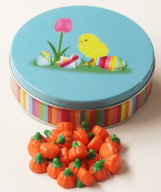 Scott's Cakes Mellocreme Pumpkins in a Small Easter Chick (Scotts Cakes Mellocreme Pumpkins)