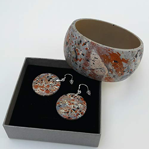 Hand Painted Wooden Dangle Earrings and Bangle Jewelry ()