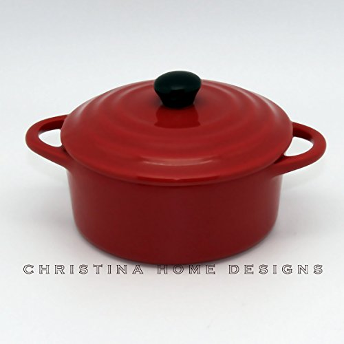 Creative Co-op 5 inch Round Stoneware Mini Baker with Lid (Red) Stoneware Mini