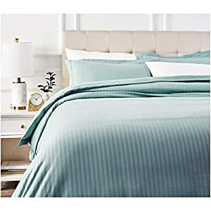 AmazonBasics Deluxe Microfiber Duvet Cover Set - King, Spa Blue