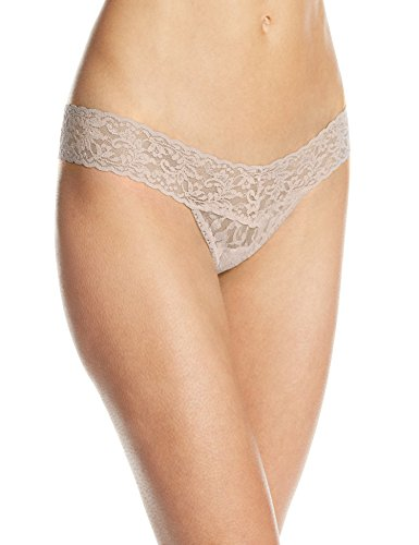 Hanky Panky Women's Signature Lace Low Rise Thong Panty, Chai, One Size