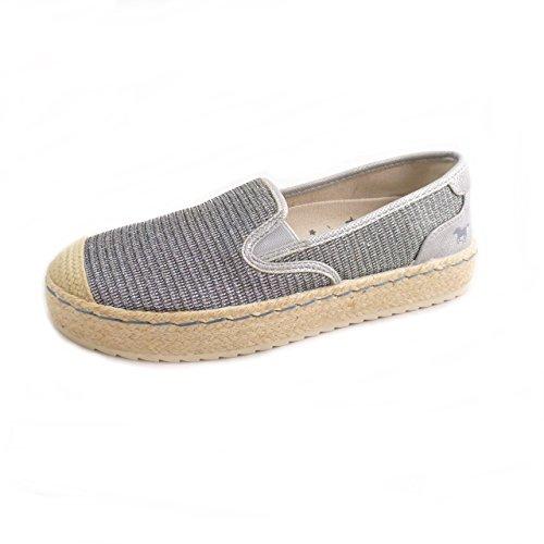 adidas Damen Questar BYD Sneaker  38 EUSchwarz (Core Black/Haze Coral)