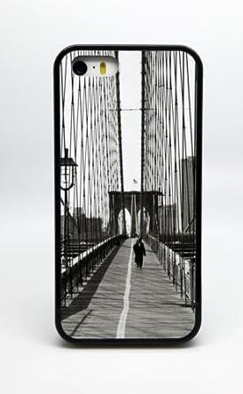 Amazon Com New York City Nyc Walking Brooklyn Bridge Black