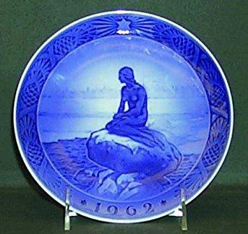 SCARCE 1962 Royal Copenhagen Christmas Plate -- The Little Mermaid (Copenhagen Royal Collector Plates)