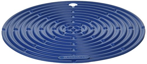 """Le Creuset Silicone 8"""" Round Cool Tool, Marseille"""