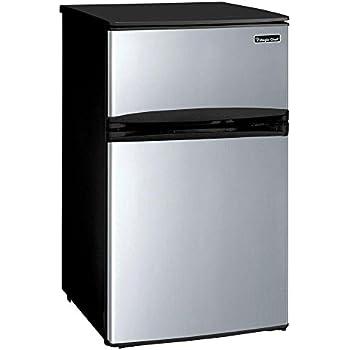 Amazon Com Magic Chef 3 1 Cu Ft Mini Refrigerator In