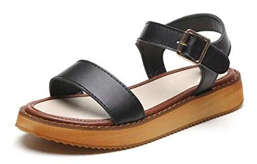 Wohnung mit einfachen flachen Sandalen mit schwerer Boden Sandalen rau mit den cingulären Schuhen Wort black